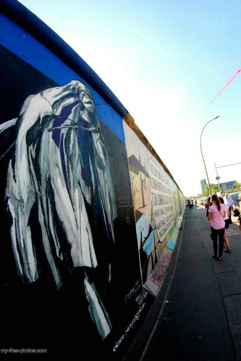 east side gallery11