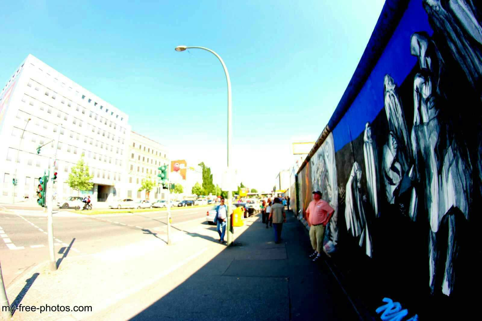 east side gallery12
