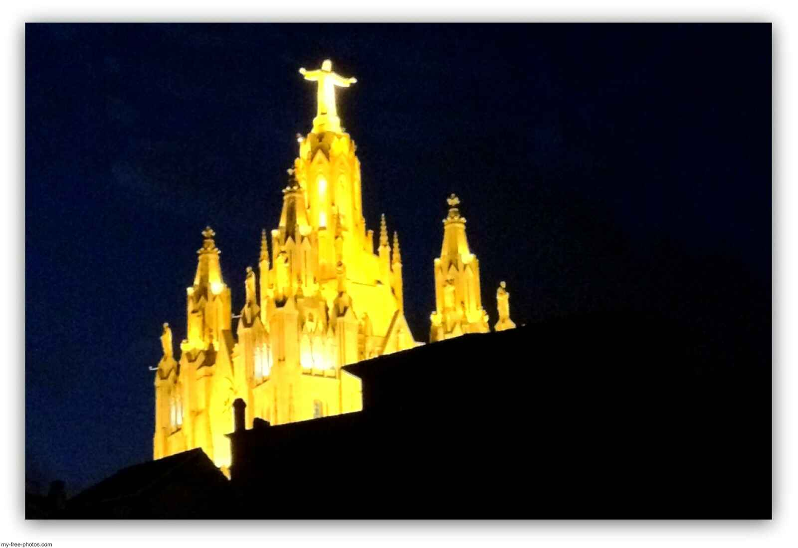 Tibidabo,Sagrat Cor by night