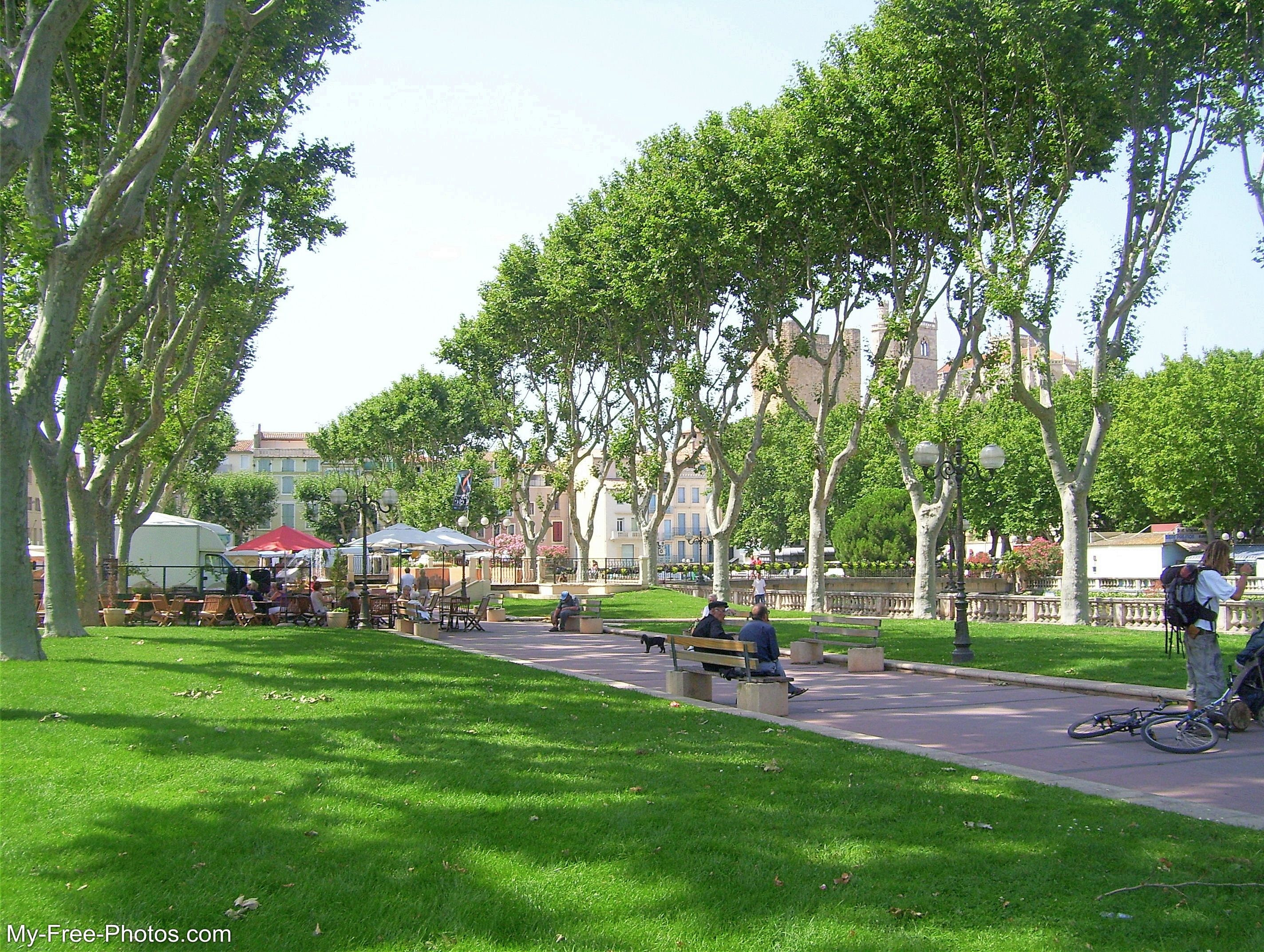 Cours Mirabeau Narbonne, France