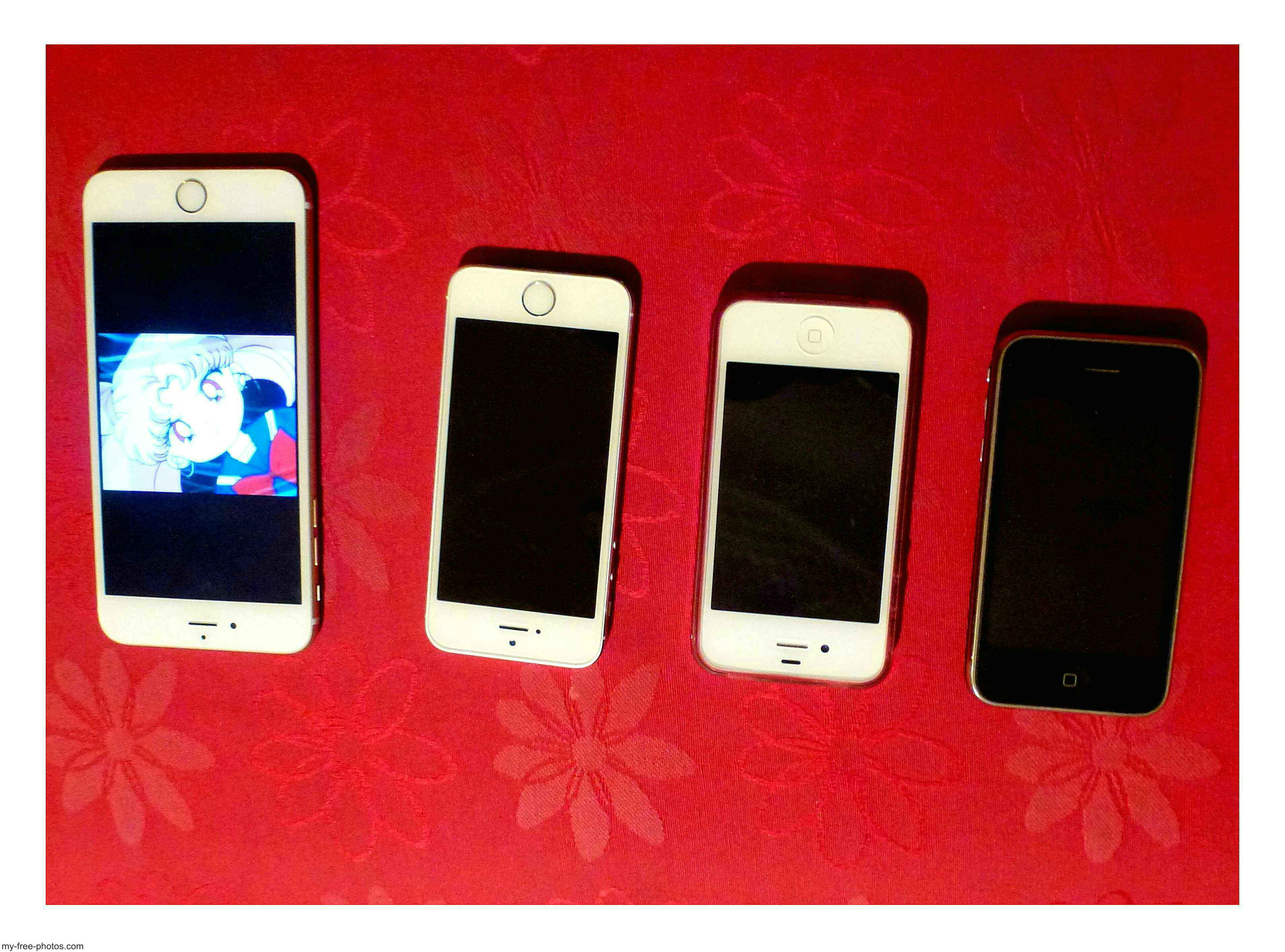 Apple Iphones:6,5,4,and 3.